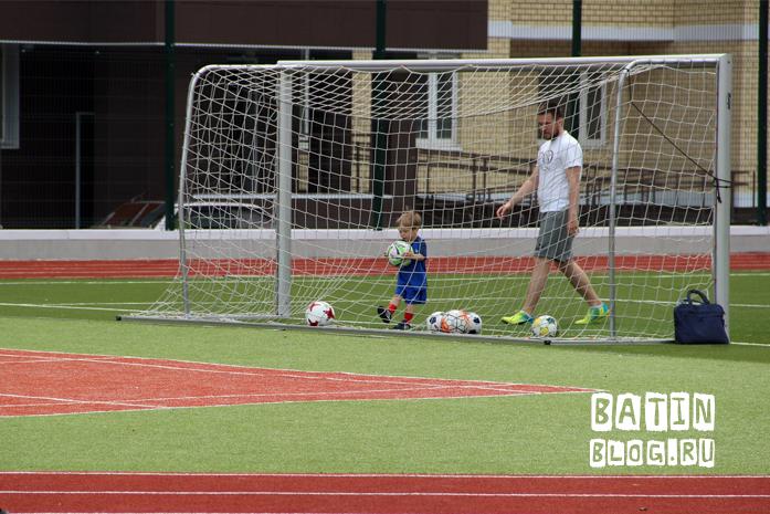 Тренировка двухлетнего футболиста - Батин Блог