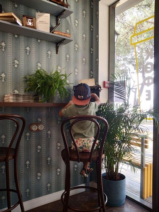 Кофейня Кофе Кошка Мандельштам Геленджик - Батин Блог